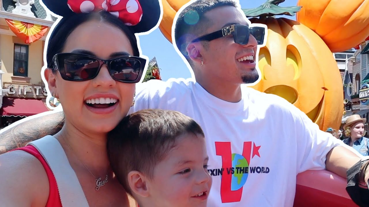 OUR FIRST DISNEY TRIP! *adorable 🥺