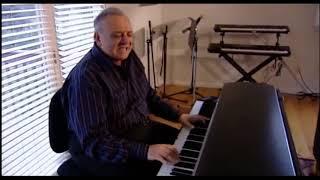 YouTube動画:Angelo Badalamenti explains how he wrote Laura Palmer's Theme