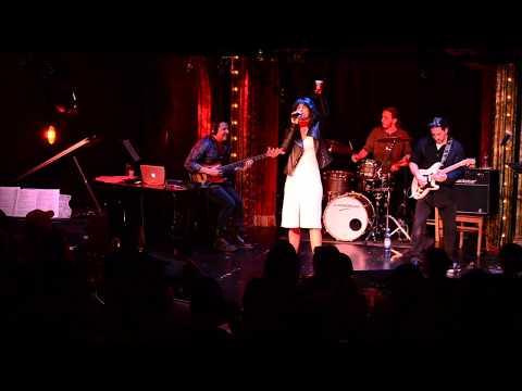 """Marina Pires sings """"Barracuda"""" by Heart"""
