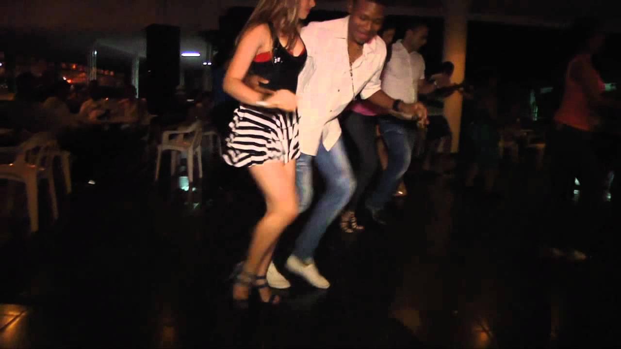 SALSA DANCING - YouTube