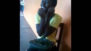 """Elle chante """"Halo"""" de Beyoncé en direct du Burundi"""