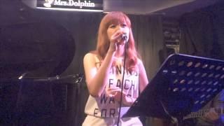 2015/5/17 Mrs.Dolphinにて行われたアコースティックライブでの、中島美...