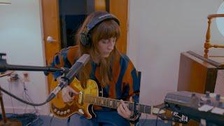 Смотреть клип Faye Webster - Come To Atlanta