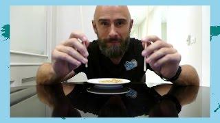 Mikkel øver sig i at spise med pinde | GoCook til verdens ende | Film 27
