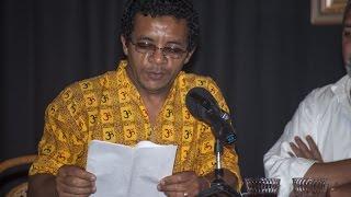 Luis Felipe Rojas - Presentación del poemario «Café sin Heydi frente al mar» de Victor M. Dominguez