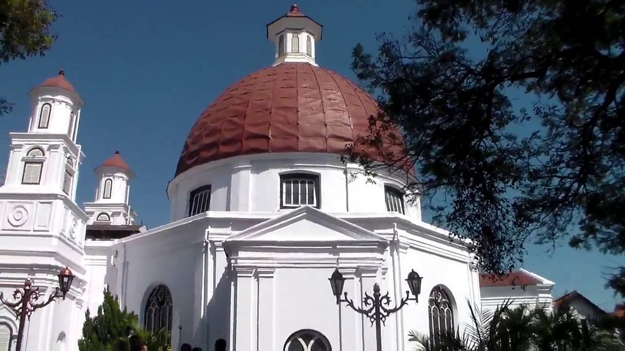 Hasil gambar untuk gereja blenduk