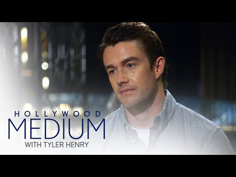 Tyler Henry Gives Robert Buckley's Father a Message | Hollywood Medium with Tyler Henry | E!