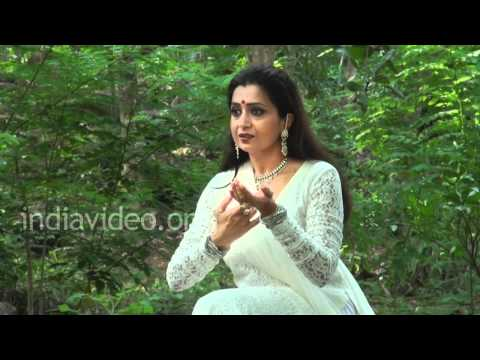 Learn Kathak with Pali Chandra, English 021 & Hindi 019, Chali akeli naar..
