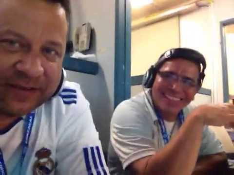 En la transmision en Vivo para YSKL en el Salvador