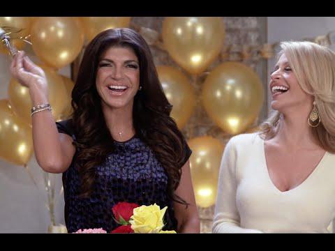Teresa Giudice & Dina Manzo NYE Party | Haute Hostess
