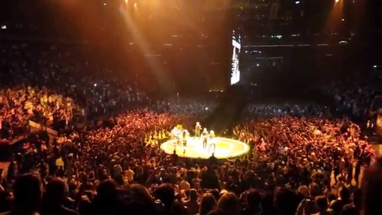 U2 Elevation Live 2015 At Madison Square Garden Youtube