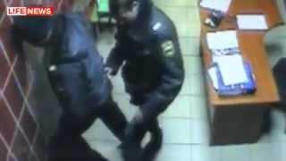 видео Скандал в супермаркете: пенсионерку 1,5 часа оскорбляли из-за 26 рублей