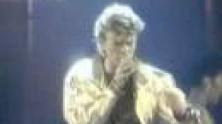 David Bowie - Modern Love (Live)