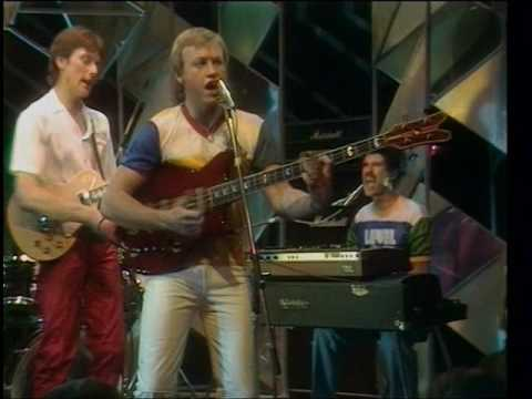 Level 42 - Love Games - 1981 - TOTP