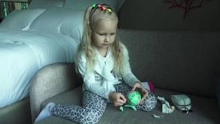 Аліса відкриває кульки з сестричками ЛОЛ !!! Хто попадеться в сюрприз з лялькою !