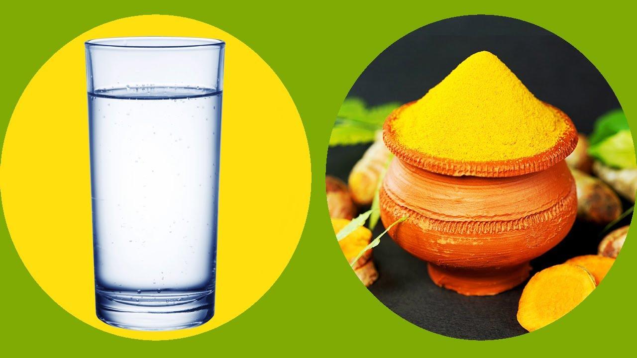 Nećete verovati kako voda sa kurkumom deluje na organizam
