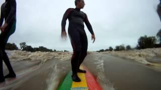 surf longboard   en el rio
