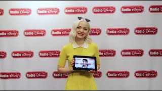 Dove Cameron watches Thomas Doherty's Bad Pirate Joke | Descendants 2 | Radio Disney