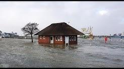 Ostfriesland Sturmtief Benjamin Hochwasser in Bensersiel Sturmflut Nordseeküste Flut Storm Tide