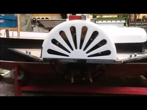 Feathering paddle wheel in the boat