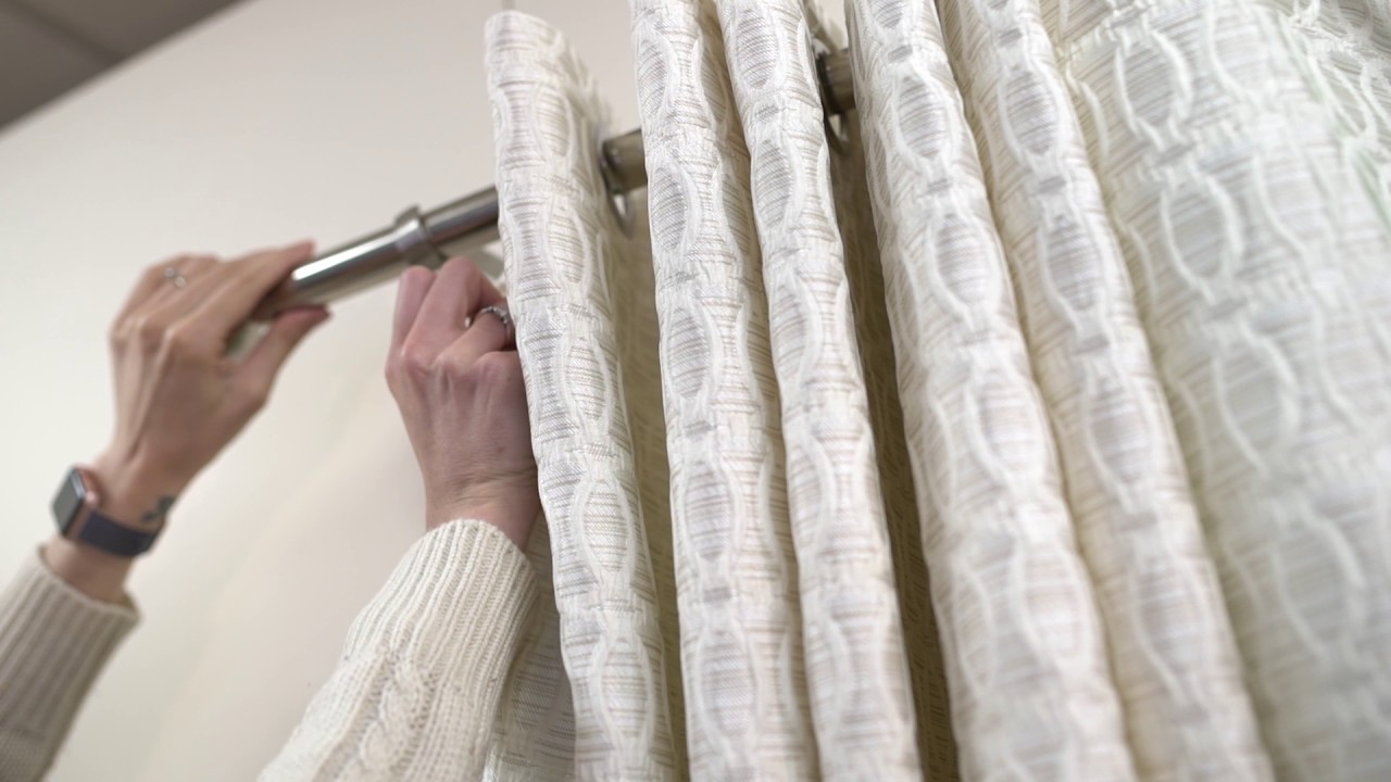 Curtain Ing Guide Hanging Eyelet Curtains