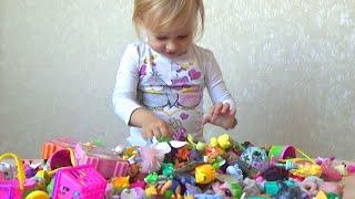 Большая коллекция маленьких игрушек Алисы A large collection of toys Alice