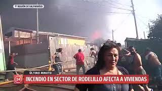 Evacuación en sector de Rodelillo por incendio que se registra en las cercanías de viviendas