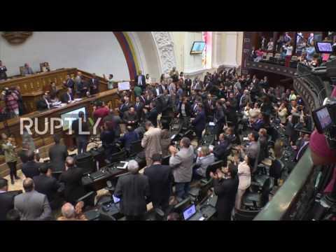 Venezuela: Opposition-led congress pass resolution declaring Maduro 'abandoned his post'