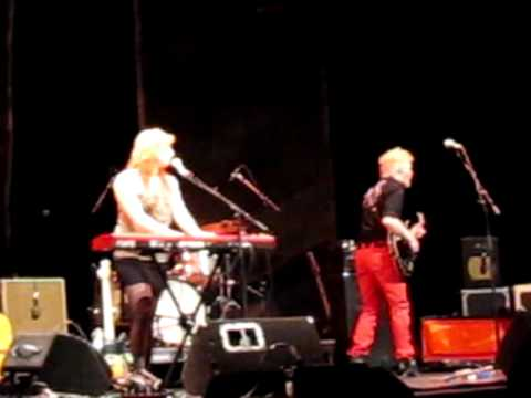 Gentleman Reg (Kelly McMichael, Jon Hynes) Live