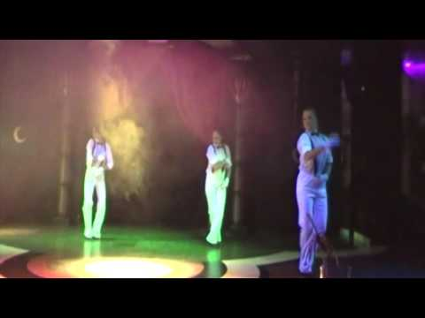 Crystal Sunrise Queen Hotel - Musical Highlight Show - Dancin' Fool