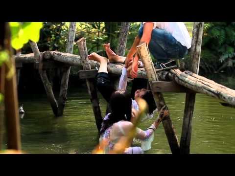 Phi Nhung ngã xuống sông khi quay clip