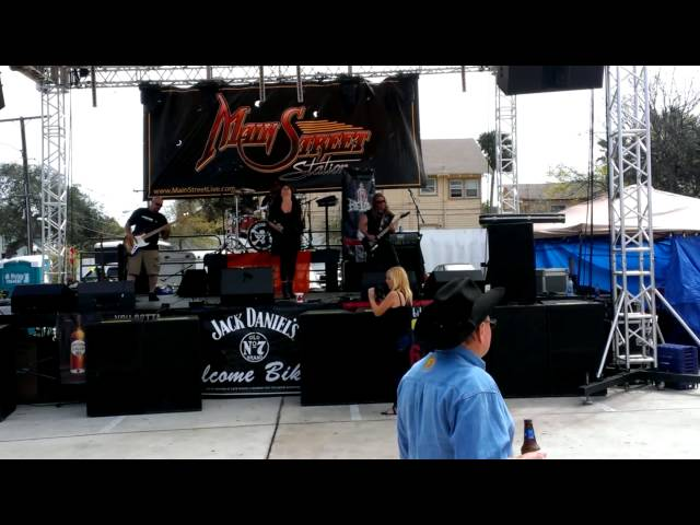 13 Below At Bike Week 2014 Opening up for Siliva