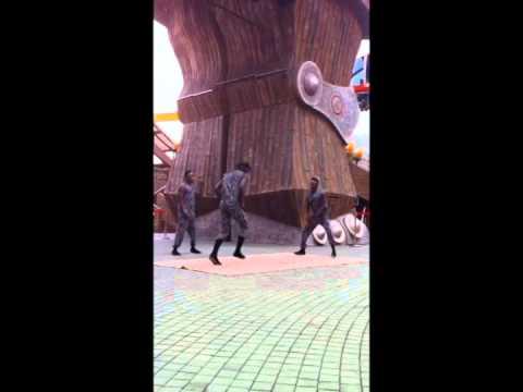 Africa Stunt E-DA THEME PARK Kaohsiung Taiwan 義大遊樂世界: 非洲特技表演