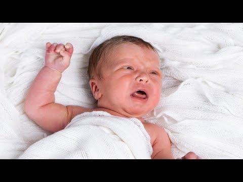 Das ist der Grund, warum Babys nicht schwitzen und ohne Tränen weinen!