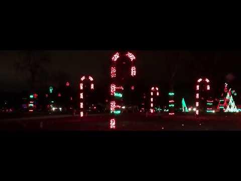The Dancing Lights of Christmas at Jellystone Park   Nashville, TN 2016  short