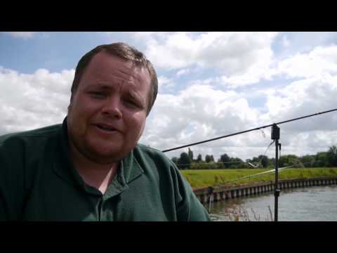 Barbel And Carp Fishing On A New Stretch Of The River Thames ( Video 40 )