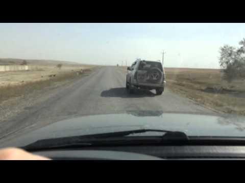Lexus lx470 на плохой дороге