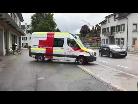 Appell an alle Autofahrer: Bei Stau Rettungsgasse bilden!