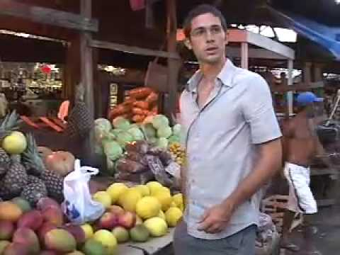Trying New Foods in a Salvador Market