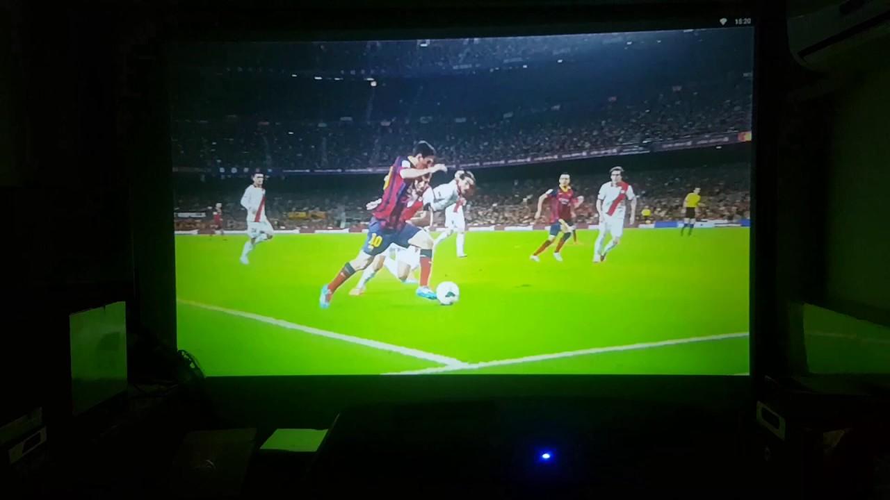 Máy chiếu mini giá rẻ Tyco T2500 trình chiếu bóng đá