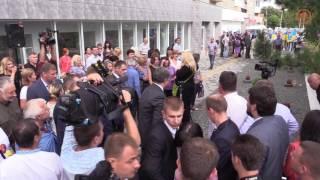 """В Мариуполе Порошенко перепутал активистов-экологов с """"агентами Путина"""""""