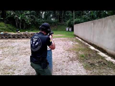 Exercício com Fuzil e Pistola