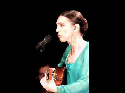 Adriana Calcanhotto - Fico Assim Sem Você