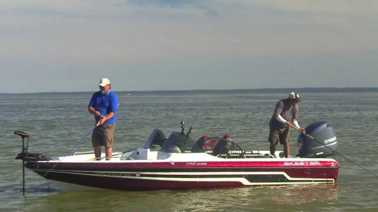 Skeeter MX2025 On The Water - YouTube