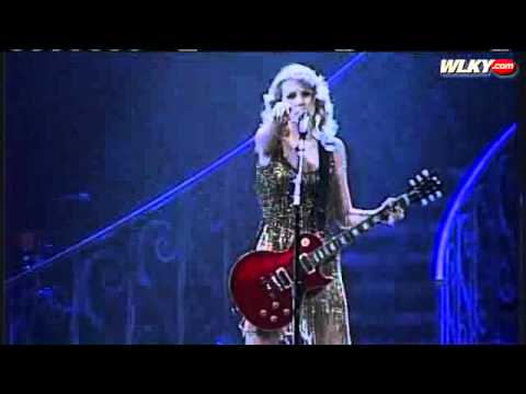 Sold-Out Crowd Packs KFC Yum Center For Taylor Swift Concert