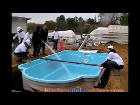 Montage piscine coque polyester youtube for Installation piscine coque