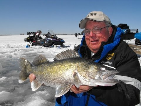 Ice fishing devils lake for walleyes with legendary angler for North dakota ice fishing reports