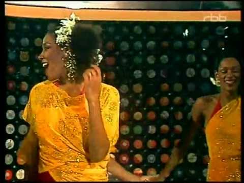 Sister Sledge - Lost in Music (1979)