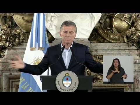 El presidente Mauricio Macri brinda una conferencia de prensa