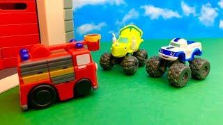 Bajka Strażak Sam i małe Monstertrucki po Polsku  Uwaga ruchome piaski